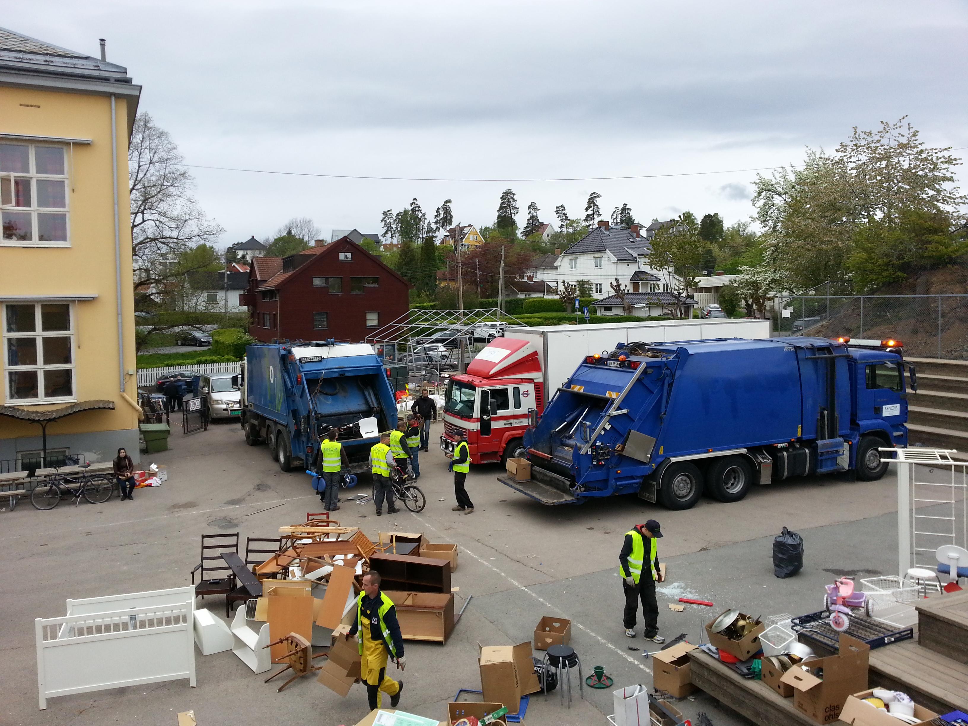 Loppemarked, Renova henter alle restlopper på Lilleaker skole